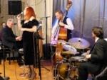 Joanna Eden Quartet: Embraceable Ella